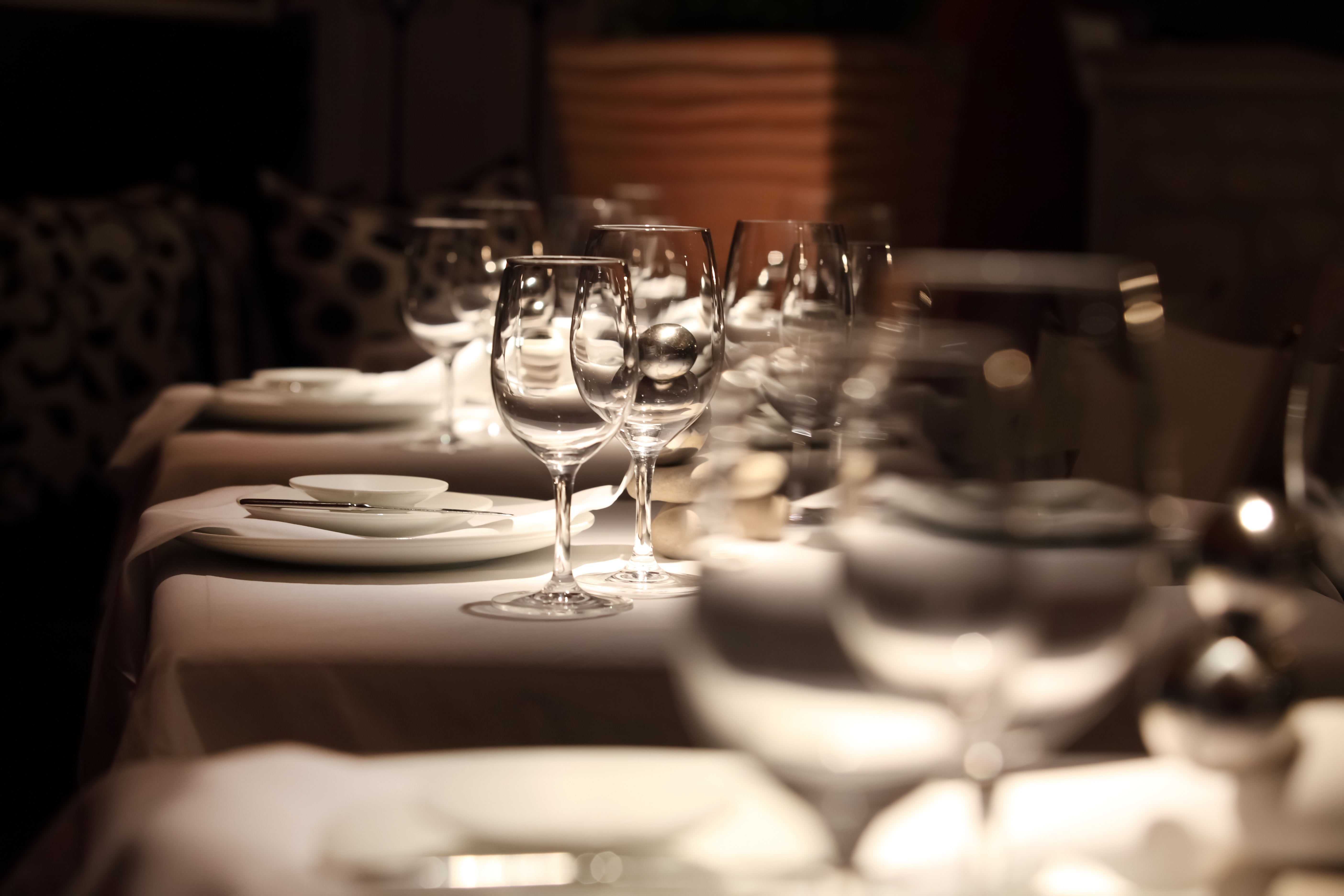 The Different Types Of Table Linen For Restaurants Image Textile